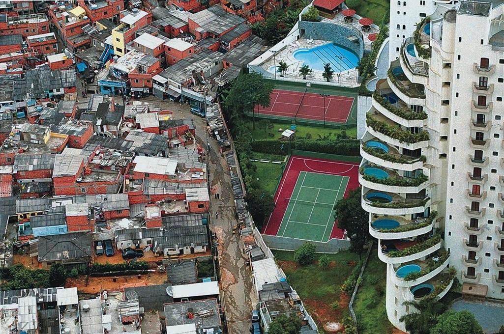 Resultado de imagem para foto desigualdade social brasil