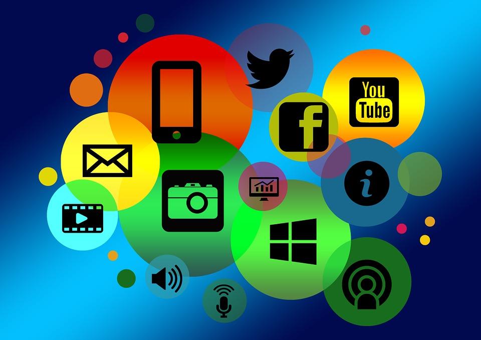 Militância de internet é coisa do passado - Esquerda Online