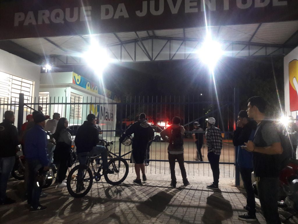 Vários jovens que tentavam participar da atividade cultural, foram impedidos de entrar ao Parque