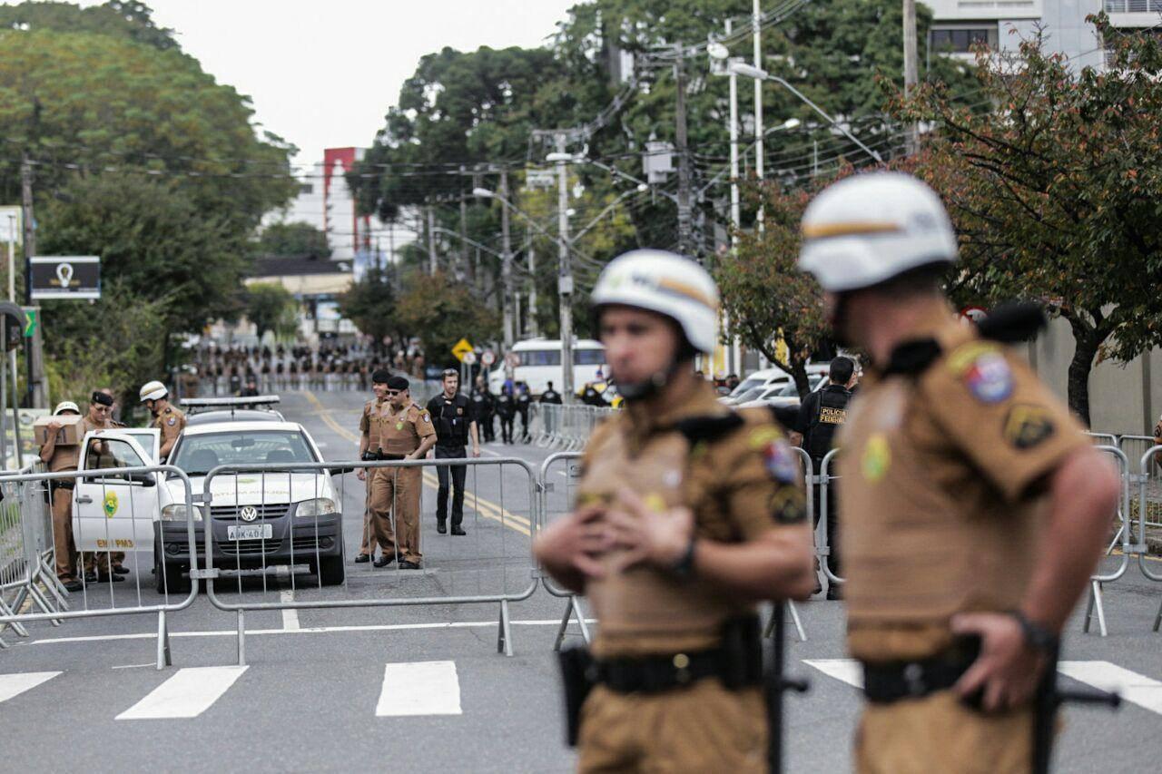 Aparato policial ´ostensivo em Curitiba Foto: Francisco Proner / Mídia NINJA