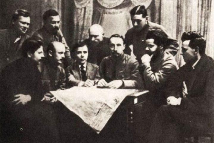 A Organização Militar Bolchevique.