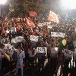 Em Porto Alegre, maior assembleia de servidores do ano vota por continuar greve