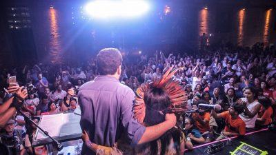 Guilherme Boulos e Sonia Guajajara na Conferência Cidadã, em São Paulo. Foto: Mídia Ninja / Cobertura Colaborativa