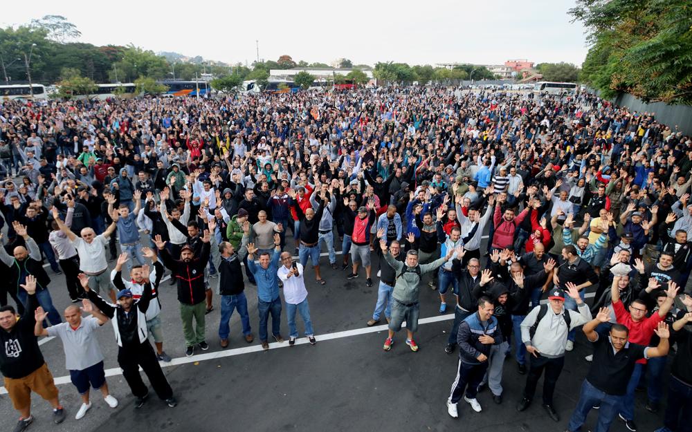 Trabalhadores aprovam a greve. Foto: Edu Guimaraes/Sind. Metal ABC