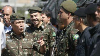 Rio de Janeiro - Exército entrega seis veículos blindados à Secretaria de Estado de Segurança do Rio (Tânia Rêgo/Agência Brasil)