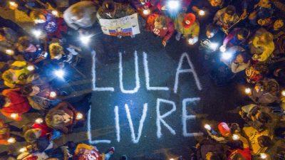 Vigília em frente à Polícia Federal, em Curitiba (PR), onde Lula está preso. Foto Ricardo Stuckert