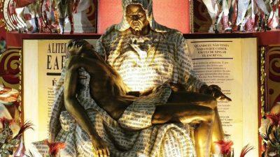 No Carnaval de 2018, o Salgueiro trouxe uma versão negra da Pietà, uma das esculturas mais famosas de Michelangelo, para denunciar a morte de jovens negros.