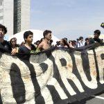 Congresso Nacional quer aprovar projeto do Escola sem Partido. Proteste!