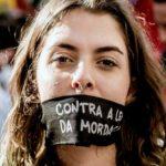 Ataque à esquerda: policiais atacam deputada Marília Campos e Tenda da Democracia, em Belo Horizonte