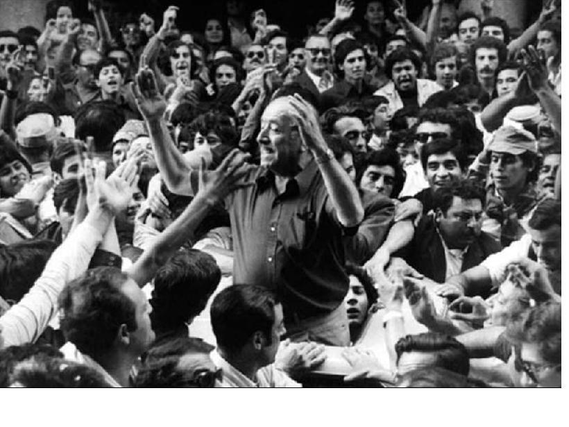 Hector Cámpora vence as eleições, em julho de 1973. Logo depois, renunciaria, junto com seu vice, para que novas eleições fossem realizadas, com a participação de Peron