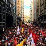 Reversão das privatizações e investimentos sociais