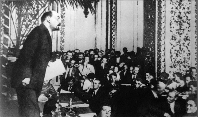 Lenin, autor da declaração dos direitos do povo trabalhador e explorado, de janeiro de 1918