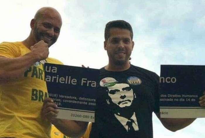 Apoiadores de Bolsonaro destroem placa de Marielle Franco