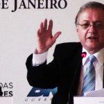 A um mês de acabar seu mandato, governador Pezão é preso