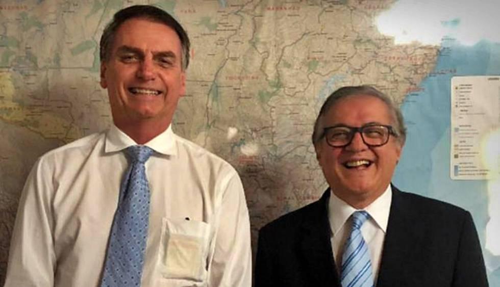 Bolsonaro e Velez Rodriguez, ministro da Educaçao
