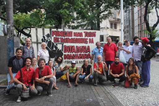 Ato organizado pela APAP no 1º de abril de 2019, Praça do Diário.